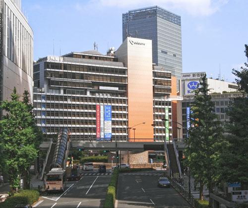 新宿駅前店外観