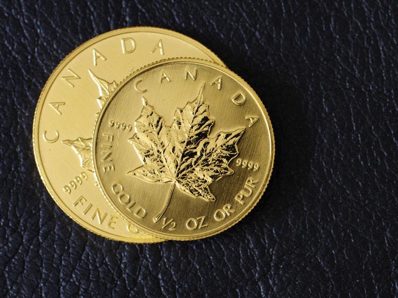 メイプルリーフ金貨は地金型金貨の代表格!金貨を高く買取に出すには?